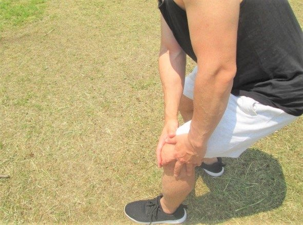 膝 関節 脚 痛み